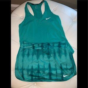 Dresses & Skirts - EUC Nike pure court skirt and tank medium